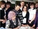 Татьяна Гололобова с выпускниками Октябрьского района. Открыть в новом окне [77 Kb]
