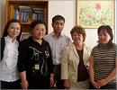 Аида Кирьякова и магистранты казахского университета. Открыть в новом окне [78 Kb]