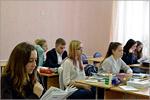 Обучающиеся подготовительных курсов студии 'Рисунок, живопись, дизайн', направление 'Дизайн' на открытом уроке. Открыть в новом окне [127Kb]