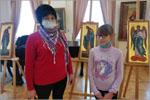 Обучающиеся студии с родителями и педагогом дополнительного образования ШаповаловойА.Р. на выставке