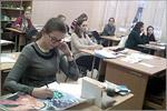 Обучающиеся студии на занятии за работой