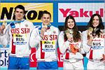 Мария Каменева (вторая справа), мастер спорта международного класса по плаванию
