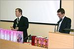 Директор ЦИТ Юрий Кудинов и проректор Виктор Быковский. Открыть в новом окне [85Kb]