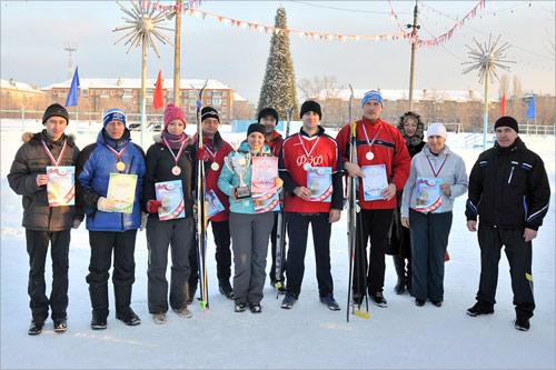 Награждение победителей лыжной эстафеты