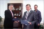 Подписание договора с Санкт-Петербургским колледжем (шт. Флорида). Открыть в новом окне [60,5 Kb]