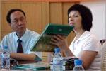 Завкафедрой географии и регионоведения Т.И.Герасименко передает библиотеке Чанчуньского университета атлас Оренбургской области. Открыть в новом окне [53 Kb]