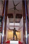 Скульптура в фойе театра. Открыть в новом окне [63,8 Kb]