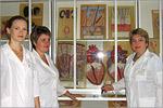 Сотрудники в музее анатомии. Открыть в новом окне [76 Kb]