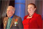 Декан ТФ Е.В. Бондаренко (справа). Открыть в новом окне [65Kb]
