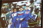 Приветствие космонавтов с МКС. Открыть в новом окне [76Kb]
