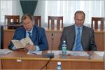 Владимир Ковалевский и Юрий Мерзляков, замминистра образования. Открыть в новом окне [70 Kb]