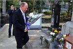 Возложение цветов к могилам русских военнопленных. Открыть в новом окне [94Kb]