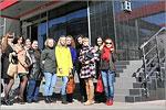 Студенты и магистранты ОГУ у отеля 'Степная Пальмира'. Открыть в новом окне [80 Kb]