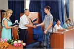 Вручение дипломов выпускникам АКИ. Открыть в новом окне [85 Kb]