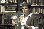 Ирина Шевченко, завотделом редких и ценных книг. Открыть в новом окне [99 Kb]
