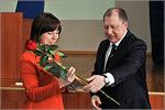 Награждение Жанны Ермаковой, завкафедрой УПСиТ. Открыть в новом окне [50 Kb]