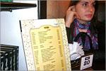 Экскурсия студентов в кафе 'Буфет'. Открыть в новом окне [76Kb]