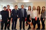 Владимир Киданов и студенты ОГУ. Открыть в новом окне [77 Kb]