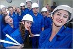 Народный коллектив эстрадного танца 'Жемчужинка' на Дне строителя в Казани