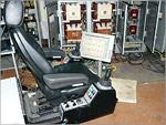 Пульт-кресло и сенсорный экран управления экскаватором ЭКГ-10. Открыть в новом окне [115Kb]