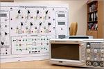 Лабораторный стенд 'Основы теории автоматического управления'.  Исполнение моноблочное ручное с осциллографом. Открыть в новом окне [99Kb]